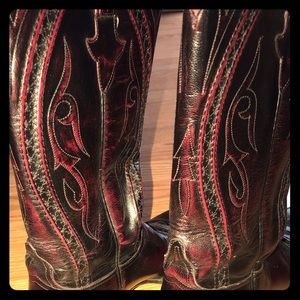 🤠 Lucchese Boots Deep Red Black Women 9B